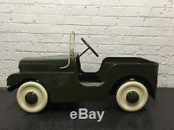 1950s Tri-ang Land Rover Pedal Car