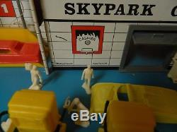 1960s Eagle Toys Service Gas Station SKYPARK GARAGE Parking 7 cars 8 people +'s