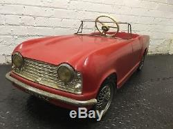 1960s TRIUMPH TR4 PEDAL CAR MADE BY TRI-ANG TOYS