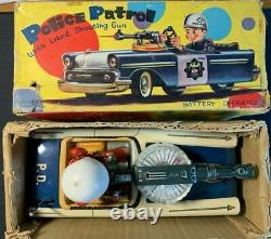 1960s VINTAGE LATTA POLICE PATROL CAR Nomura TIN TOYS BATTERY OP JAPAN + Box