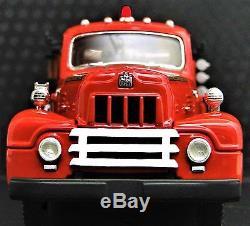 A Vintage Antique 1940s Fire Truck 1 T Metal Model 24 Engine Red Pickup Car 18
