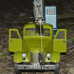 ANTIQUE ULTRA RARE TOY 1950s! VTG Russian Soviet car GAZ truck crane metal TIN