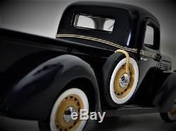 Ford Pickup Truck 1 1930s Vintage Model 43 Antique Car Metal 12 F150 T 24 A 18