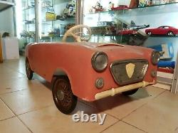 Pedal Car 1960's plastic and metal parts Pines-Italy Ford Cortina model nice