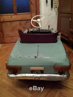 Pedal soviet car 1976 remade as electric car