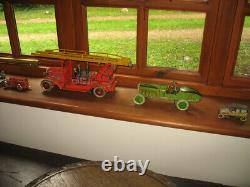 RARE EARLY WELLS BOAT TAIL RACER TINPLATE CAR WIND UP TIN TOY no tippco