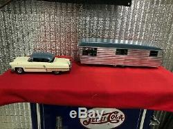 Smith Miller Lincoln Car with Camper Trailer Original