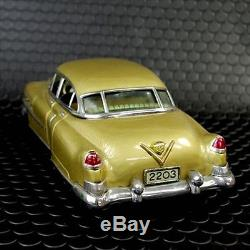 Tin Toy Marusan Kosuge Cadillac Gold Car made in Japan 1950's Vintage Unused 444