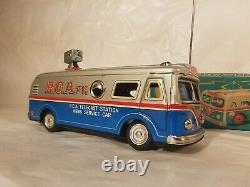 Tin Toy friction 1950'+-Japan RCA BROADCAST TV NEWS SERVICE CAR mint in box RARE