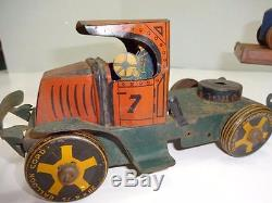VERY EARLY MARX TOYS TIN CAR HAULER WithWIND UP MIDGET RACERS. 23 LONG