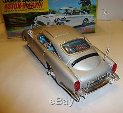 VINTAGE 1965 JAPAN TIN GILBERT JAMES BOND'S ASTON MARTIN DB5 TOY CAR WithORIG. BOX