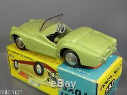 VINTAGE CORGI TOYS MODEL No. 305 TRIUMPH T. R. 3 SPORTS CAR VN MIB