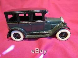 Vintage 1928 1929 Arcade cast iron chevy sedan chevrolet toy car 1930