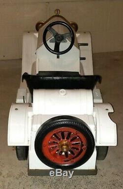 Vintage 1965 Marx Toys Stutz White Bearcat Electric Ride On Car