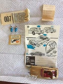 Vintage Corgi Toys 261 James Bond 007 Gold Aston Martin DB5 Goldfinger