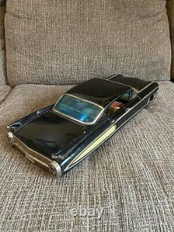 Vintage Japan Tin Toy Cadillac Friction Car 18 Yonezawa