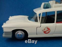 Vintage Toy GHOSTBUSTERS ECTO 1 Ghostbuster Car Kenner 1980's