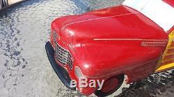Wyandotte ToyTown Woody Station Wagon Pressed Steel Toy Car tin